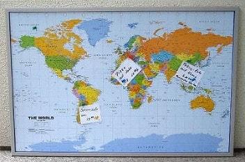 Politisk verdenskort på opslagstavle af kork engelsk 90 x 60cm